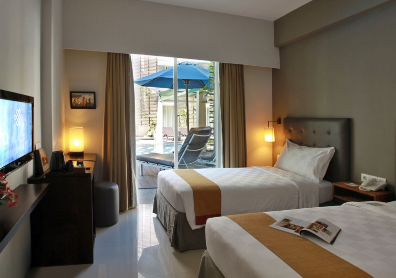 photo: Hotel for sale in Legian, Bali's busiest tourist area (Legian and Double Six Beach)
