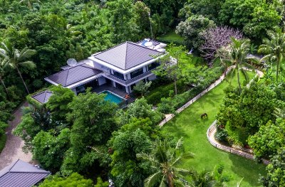 Luxury villa for sale with RENTAL LICENSE