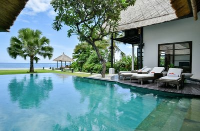 BEACHFRONT villa for sale North Bali