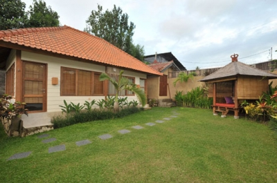 photo: Villa 3 bedrooms with swiming-pool  for sale (lease) in Seminyak, Bali