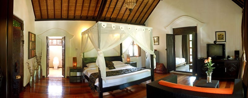 photo: villa 8 bedrooms with spa for sale (lease) in Umalas, Bali